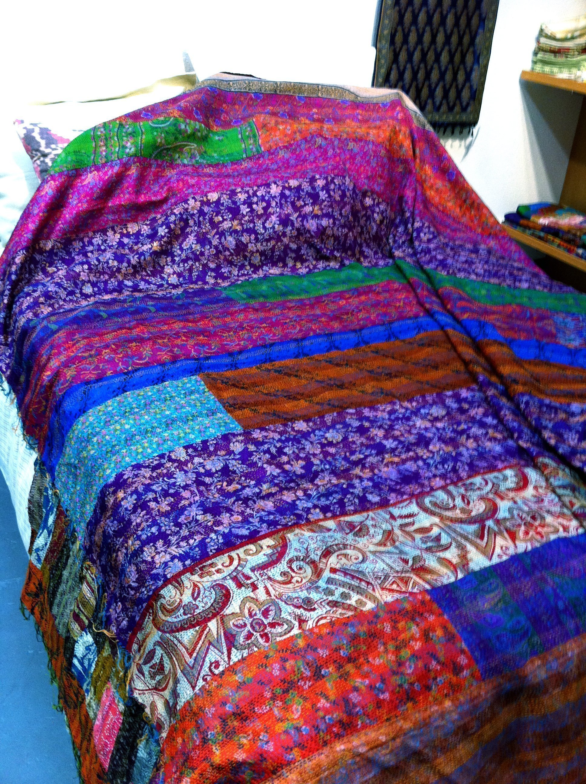 Color Loom - Ghudri Silk Bed Throw